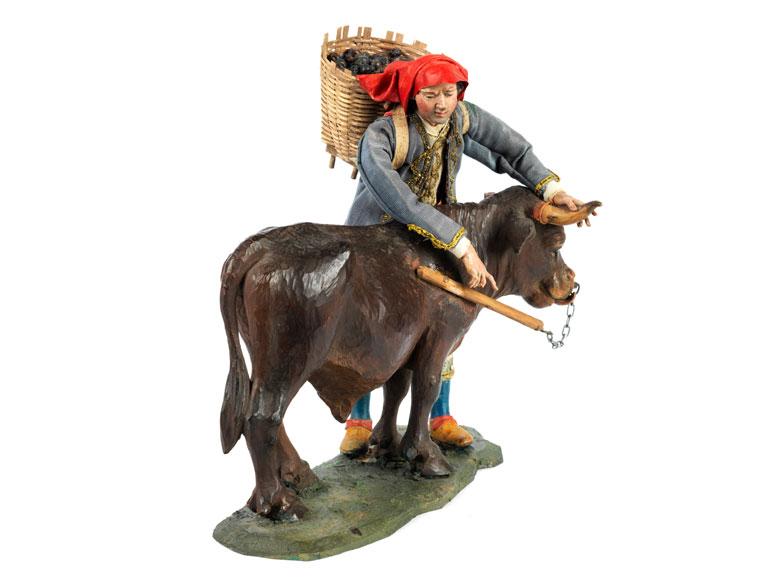 Neapolitanische Krippenfigur Bauer mit Rind