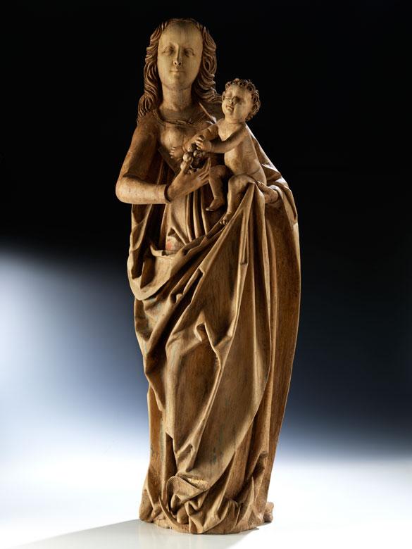 Mondsichelmadonna mit Jesuskind und einer Traube