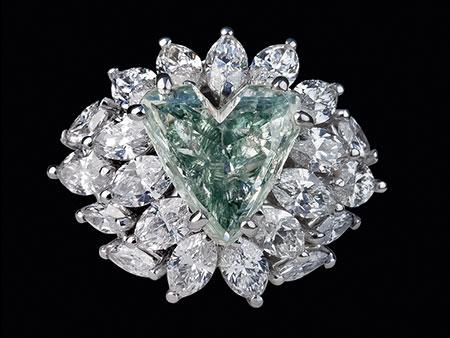 Detailabbildung: Grüner Diamant-Herzring