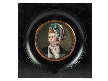 Rundes Miniaturbildnis einer Dame