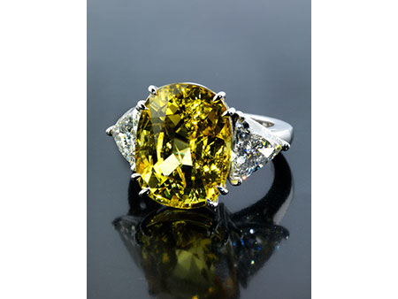 Detail images:  Gelber Saphir-Diamantring