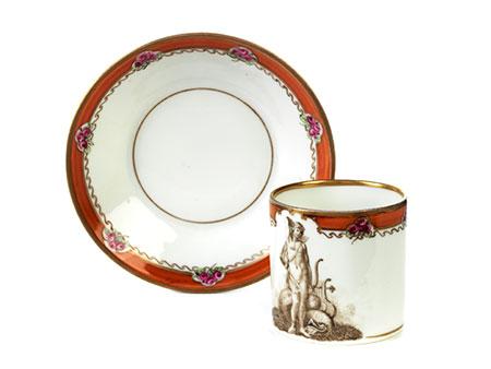 Meissen-Tasse mit Untertasse mit Grisaille-Dekor