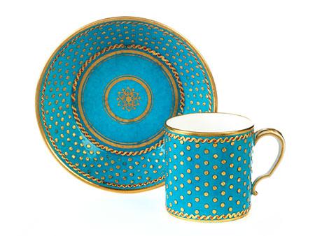 Sèvres-Tasse mit Untertasse