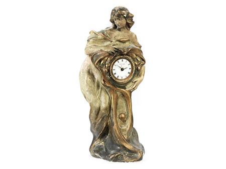 Jugendstil-Uhr Junge Frau