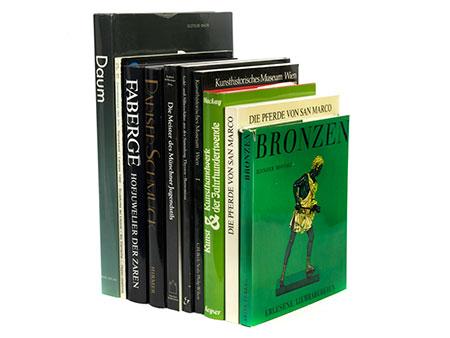 Konvolut von zehn Büchern zum Thema Kunstgewerbe