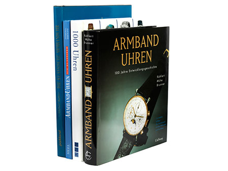 Konvolut von vier Büchern zum Thema Uhren