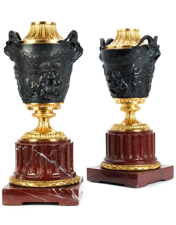 Paar prächtige Bronzevasen als Leuchter