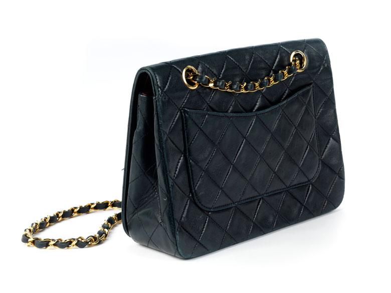 Blaue Chanel Handtasche 2 55 Hampel Fine Art Auctions