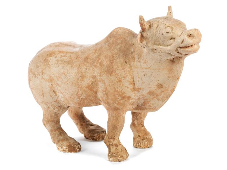 Terrakottafigur eines Büffels