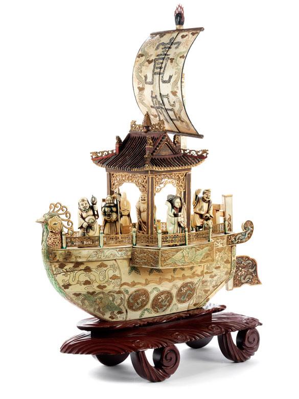 Boot mit daoistischen Gottheiten
