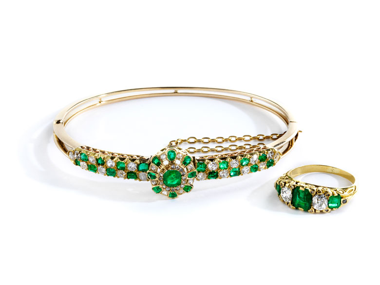 Smaragd-Diamantarmreif und Ring