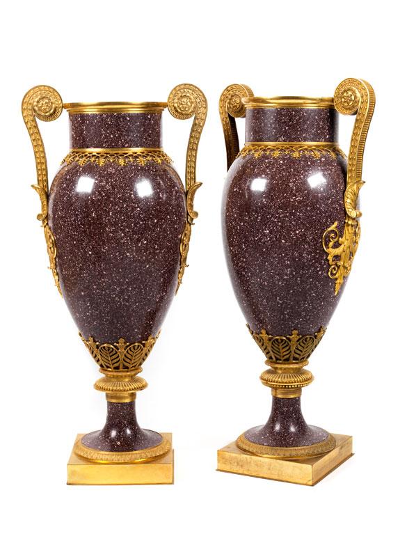 Paar Porphyrvasen im Empire-Stil