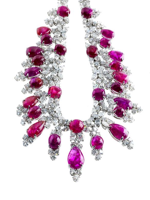 Burma-Rubin-Diamantcollier von Harry Winston