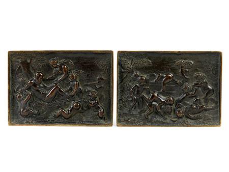 Paar Bronzereliefs mit Putti