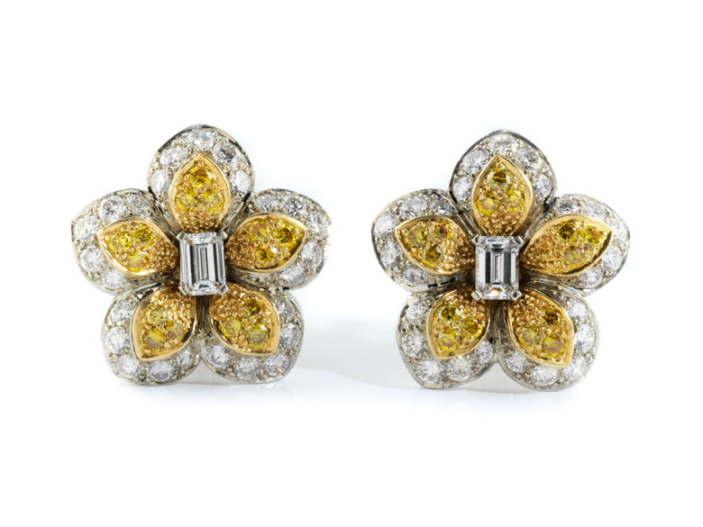 Diamant-Blütenohrringe von Van Cleef & Arpels