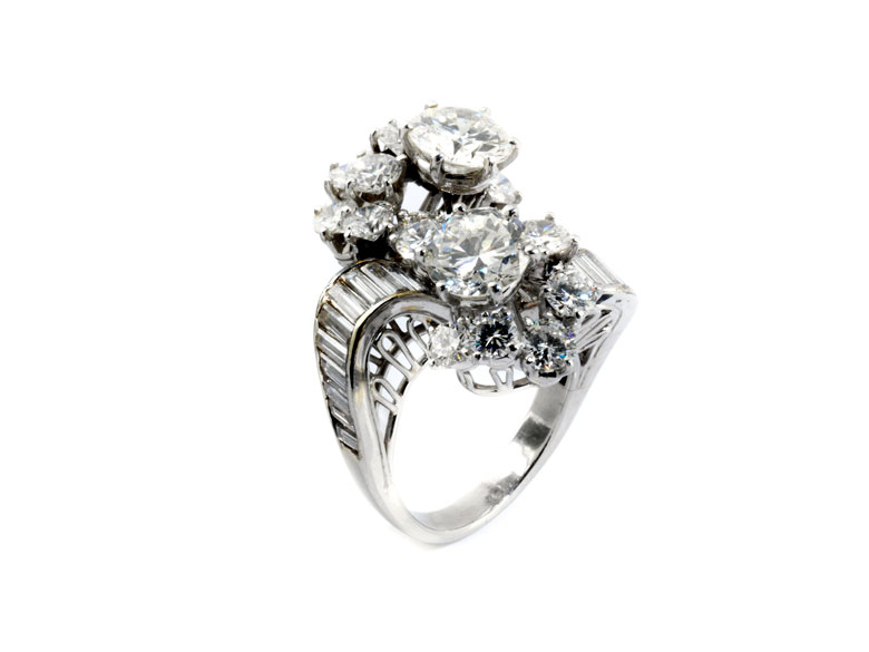 Vis-à-Vis-Diamantring