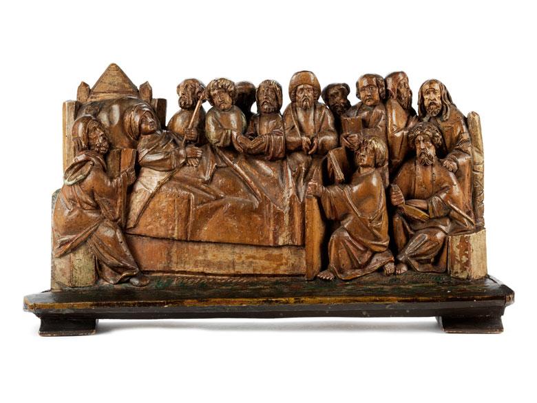 Spätgotische Schnitzfigurengruppe der Apostel am Sterbebett Mariens