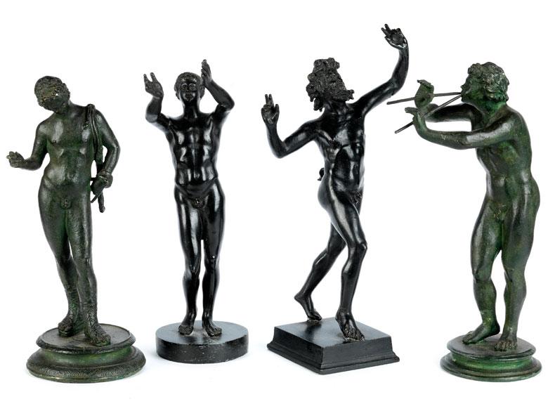 Gruppe von vier Bronzefiguren nach der Antike