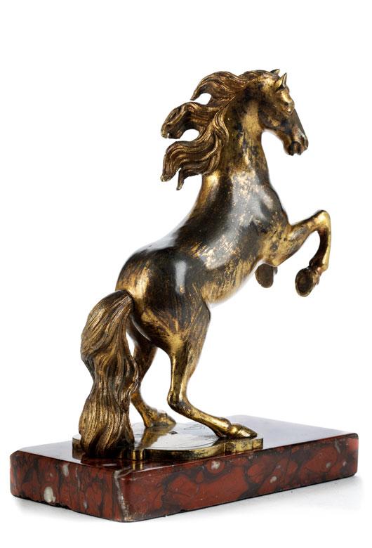 Springendes Bronzepferd