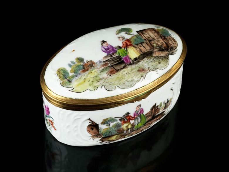 Ovale Porzellandeckeldose