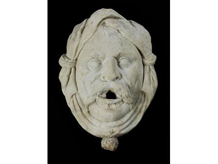 Brunnenmaske in Marmor