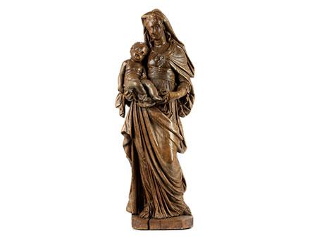 Qualitätvoll geschnitzte Standfigur einer Maria mit dem Kind