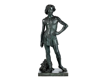 Bronzegussfigur des David mit dem Haupt des Goliath nach dem Original von Andrea di Michele Cioni, gen. Andrea del Verrocchio (1435 – 1488)