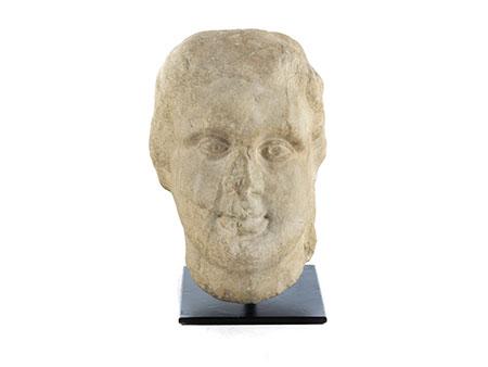 Römischer männlicher Marmorkopf