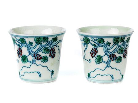 Paar kleine chinesische Porzellanbecher
