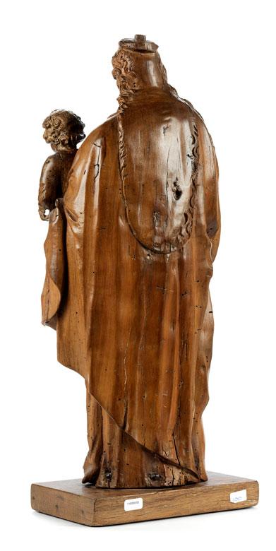 Detailabbildung: Schnitzfigur einer Madonna mit segnendem Jesuskind