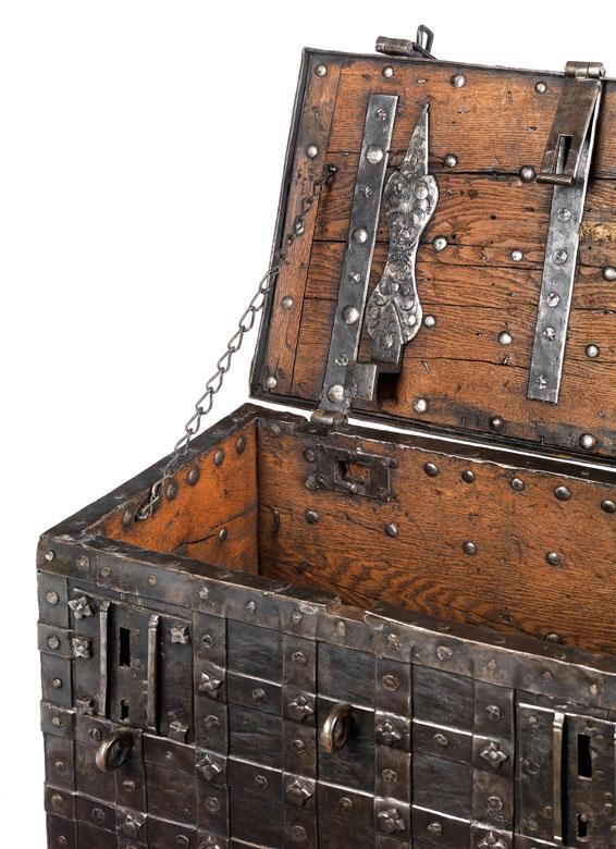 Detailabbildung: Eiserne Kriegskasette