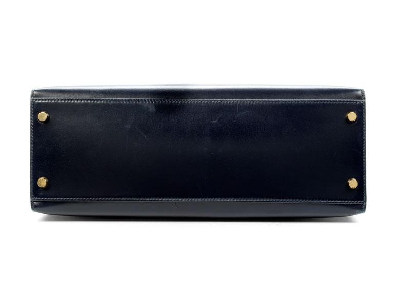 Detailabbildung: Nachtblaue Hermès Kelly Bag 30 cm
