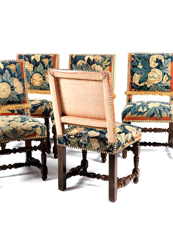 Detailabbildung: Sechs Stühle