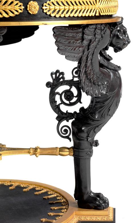 Detailabbildung: Großer Salontisch im Empire-Stil