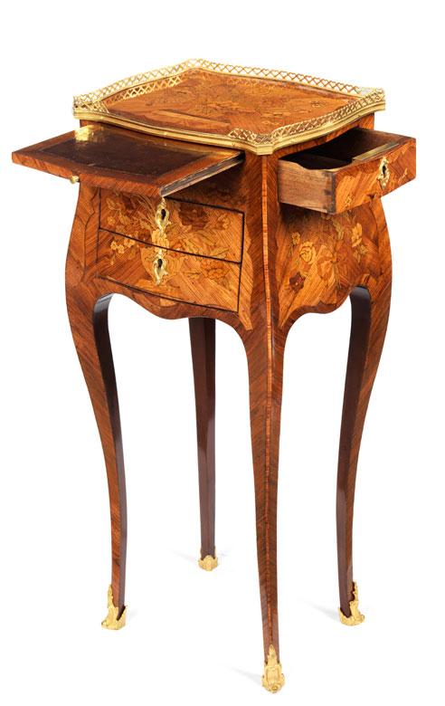 Detailabbildung: Table a écrire mit Schlagstempel: Pierre Mignon II