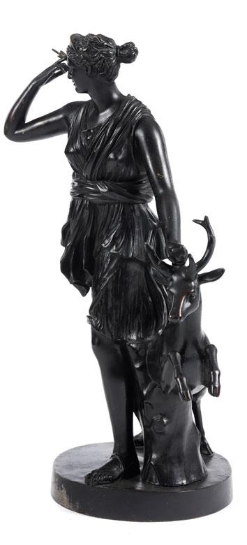 Detailabbildung: Bronzestatue der Jagdgöttin Diana
