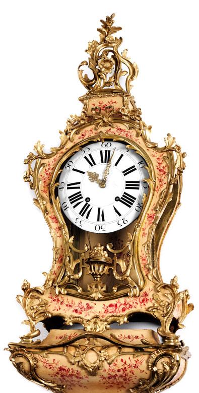 Detailabbildung: Grosse Louis XV-Cartelluhr auf Konsole