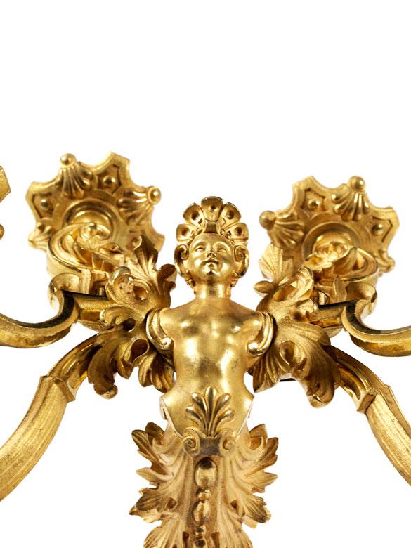 Detailabbildung: Paar prachtvolle vergoldete Wandappliken mit figürlichen Darstellungen