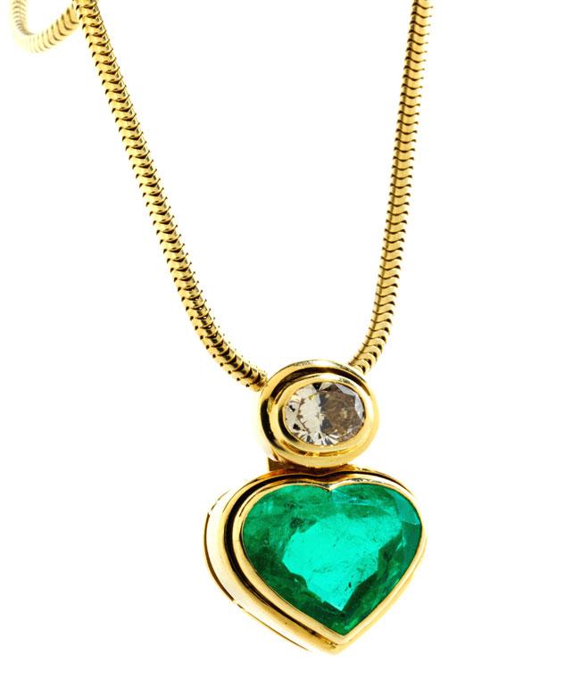 Detailabbildung: Smaragd-Diamant-Herzanhänger mit Kette