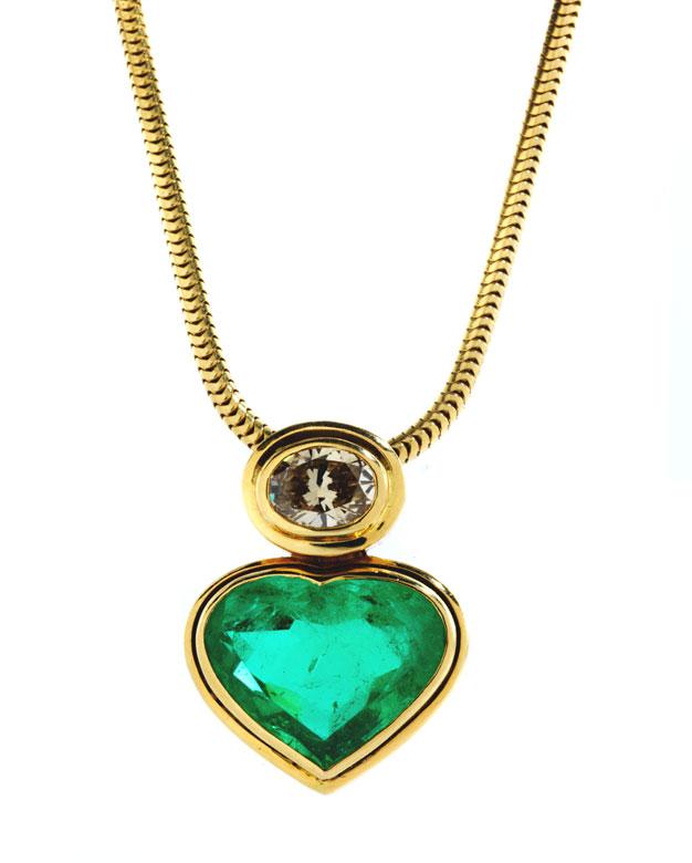Smaragd-Diamant-Herzanhänger mit Kette