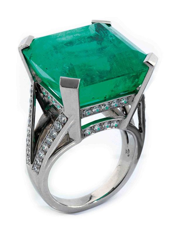 Großer Smaragd-Diamantring