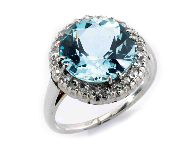 Detailabbildung: Aquamarin-Diamantring