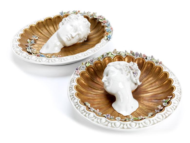 Detailabbildung: Paar italienische Porzellanzierwandteller