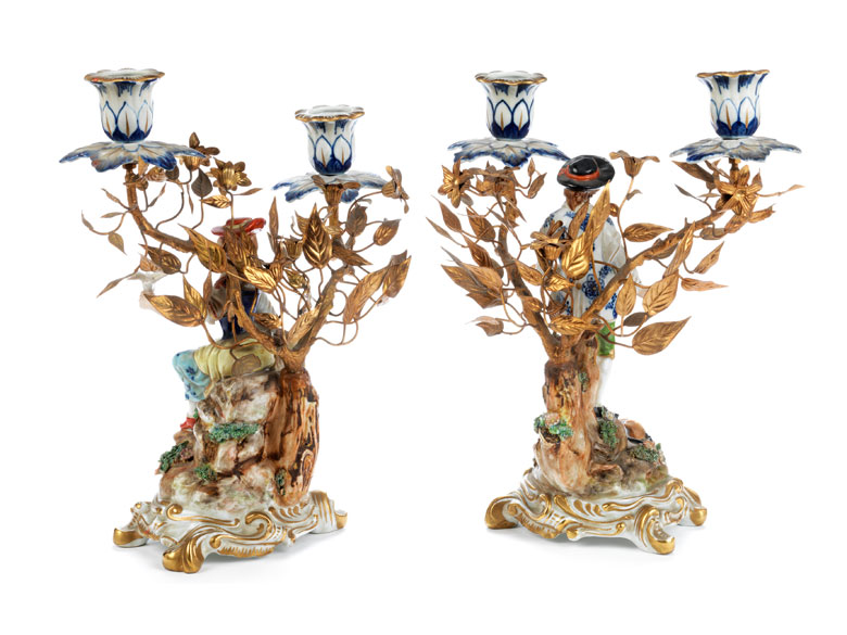 Detailabbildung: Paar figürliche Porzellantischleuchter