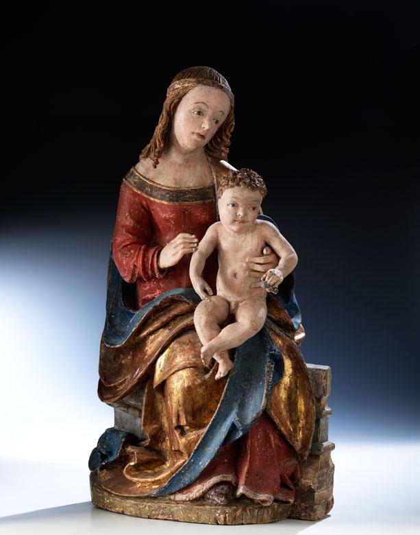 Gotische Schnitzfigur einer thronenden Madonna mit dem Jesuskind