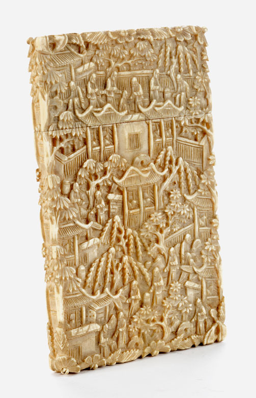 Fein im Relief gearbeitetes Elfenbeinkartenetui