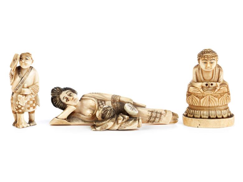 Drei japanische Elfenbeinschnitzereien