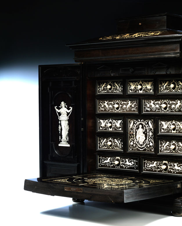 Detailabbildung: Meisterliches Kabinett im Renaissance-Stil