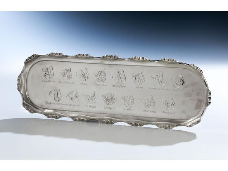 Tablett mit 15 gravierten Adelswappen