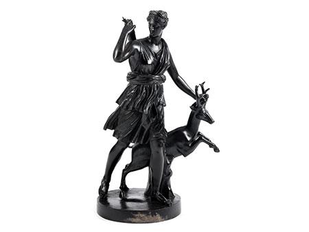 Bronzestatue der Jagdgöttin Diana